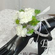 700-White Carn Corsage