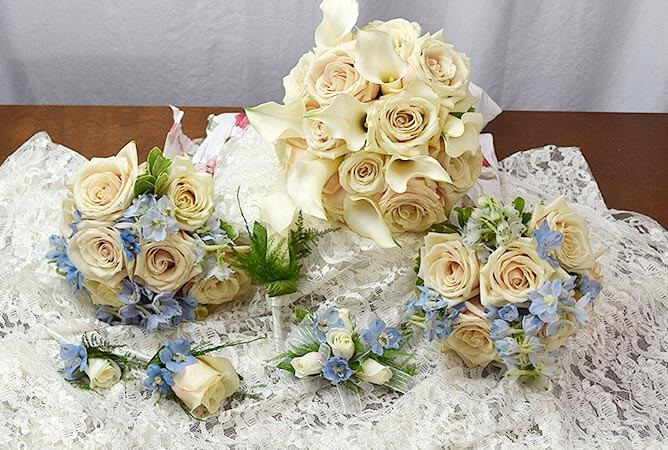 wedding-bouquet-set-white-roses