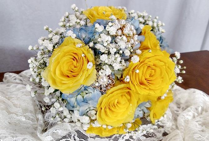Wedding Bouquet Yellow Blue Essex Florist Greenhouses Inc
