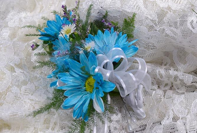 wedding-corsage-blues