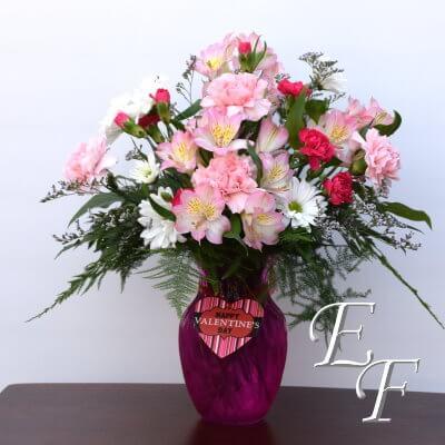 921 Valentine's Pink Swirl Bouquet Web 400