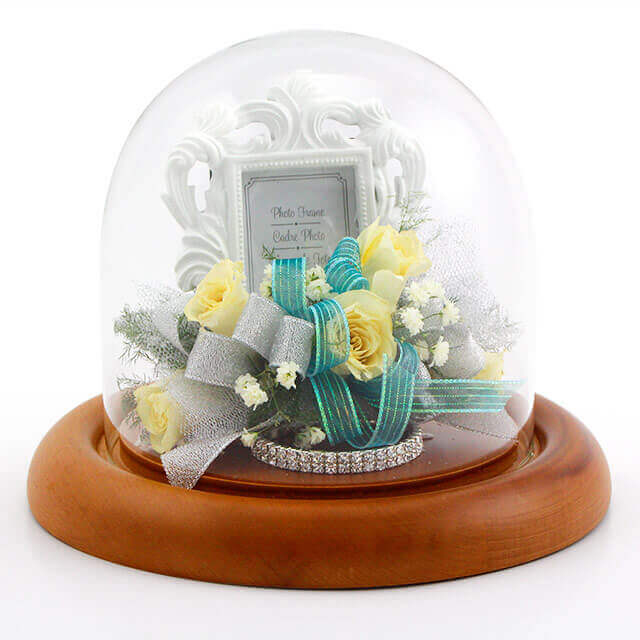 small-dome-corsage-keepsake-with-picture-frame