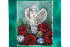 shadowbox-keepsake-with-angel-preserved-roses